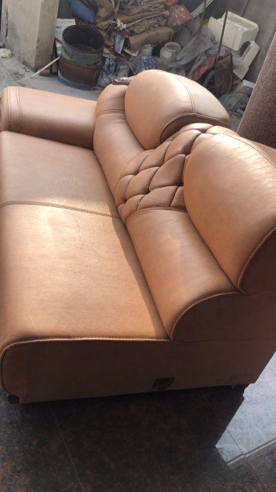 贵妃椅加双人位,换仿皮,价格2300左右的联系,要求7号之前完工,本人开网店,合作顺利的话,杭州地区可以长期合作